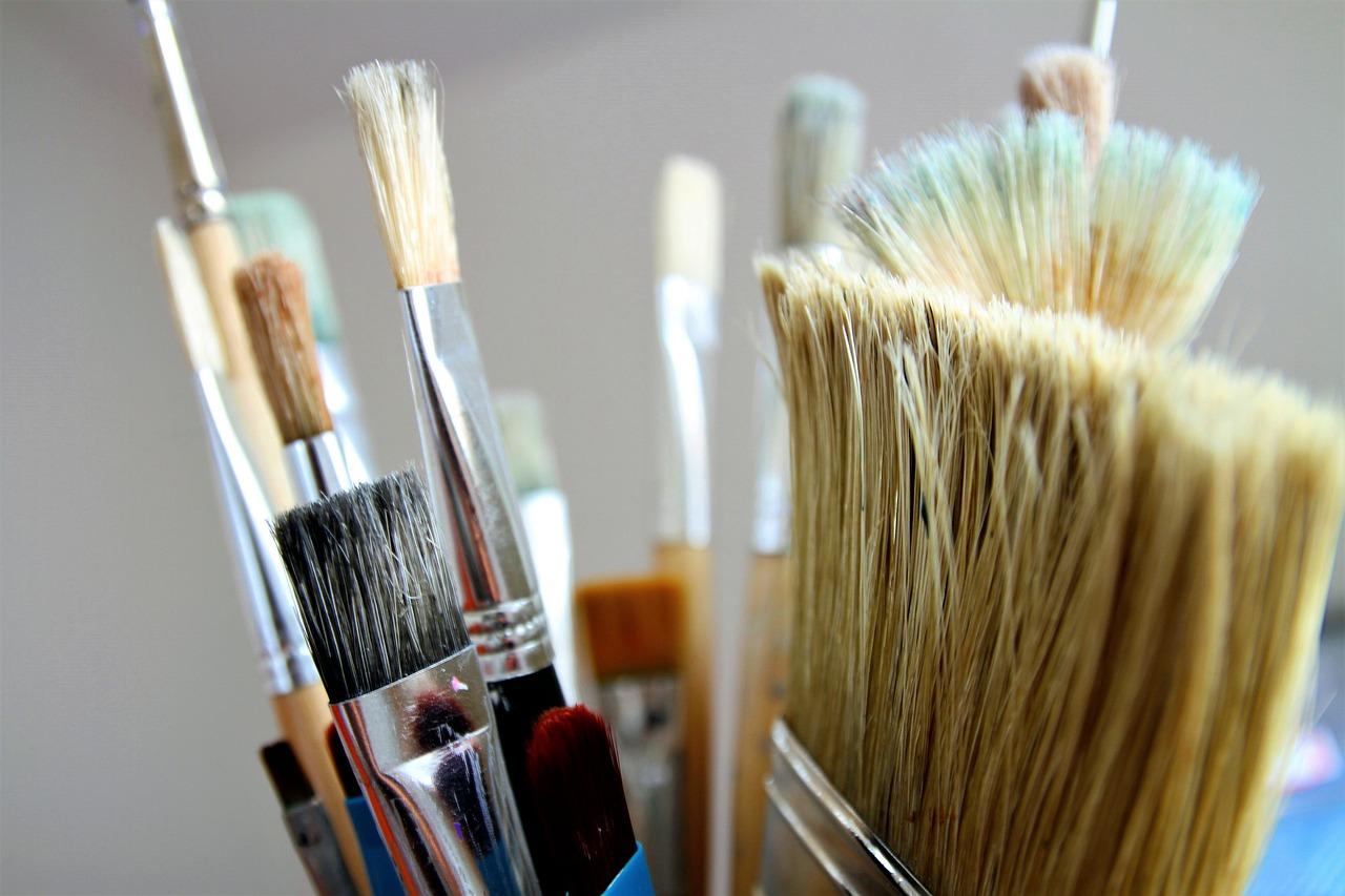 Jak myć pędzle malarskie po malowaniu?